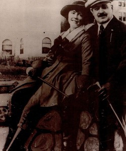 Famous Chicago gangster Big Jim Colosimo and His Girlfriend Dale Winter Colosimo Was Killed in 1920