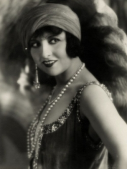 Hungarian Starlette Lucy Doraine: Dressed in Jewelry of the 1920s