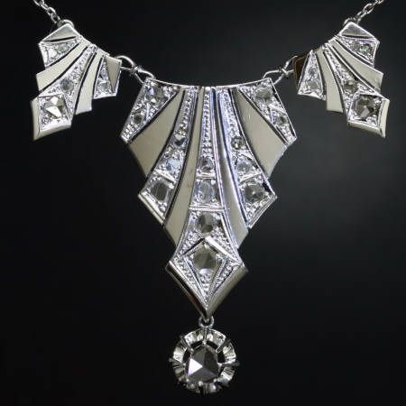 an example of a 1920's art deco style necklace