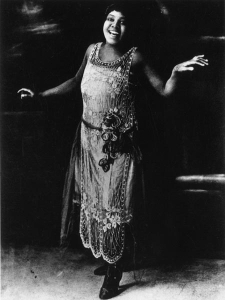 Bessie Smith: 1920s Blues and Jazz Singer