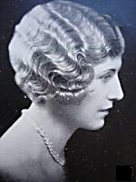 shingled hair style popular hairstyles of the 1920s 8290 | shingled hair3
