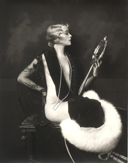 1920s Fashion Model and Sex Symbol: Mur