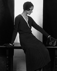 The Beautiful Simplicity of 1920s Dresses